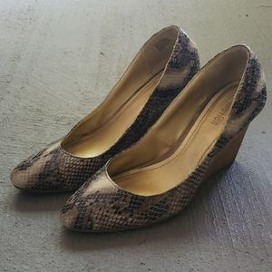 Faux Snakeskin Kenneth Cole Reaction Wedges - 10M
